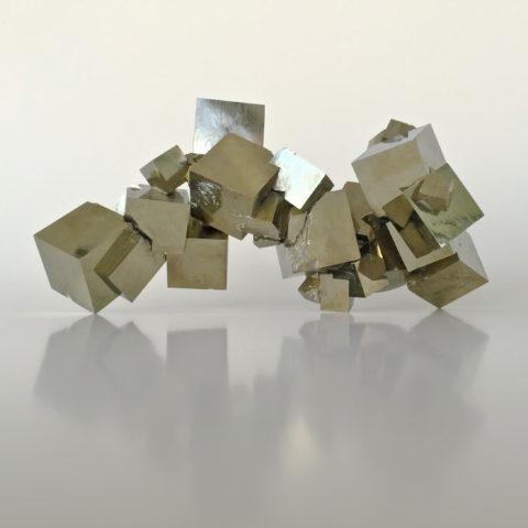 Cubic pyrite navajun spain place 8 healing